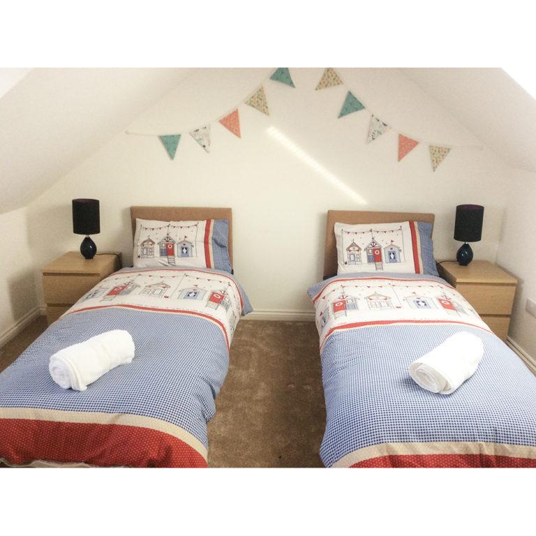 Hengistbury Reach Holiday Let Bedroom 2 alternative singles