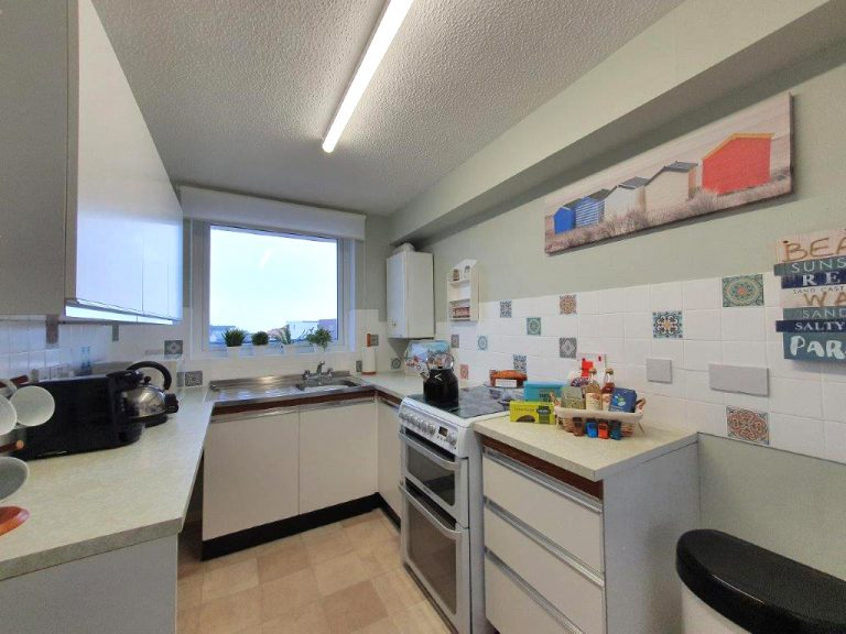 Sea View Holiday Let kitchen